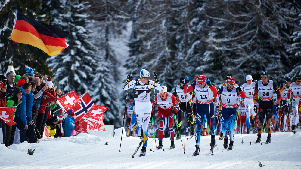 01.01.2014, Lenzerheide, Switzerland (SUI): Calle Halfvarsson (SWE), Martin Johnsrud Sundby (NOR), Jean Marc Gaillard (FRA), Alexander Legkov (RUS), Ilia Chernousov (RUS), Daniel Richardsson (SWE), Thomas Bing (GER), (l-r) - FIS world cup cross-country, tour de ski, mass men, Lenzerheide (SUI). www.nordicfocus.com. © Felgenhauer/NordicFocus. Every downloaded picture is fee-liable.