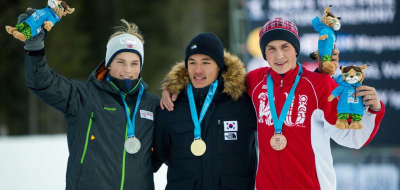 Die Medaillengewinner im Einzel der Herren: v.l. Vebjoeren Vegdal, Magnus Kim und Igor Fedotov.