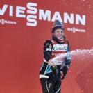 Maiken Caspersen Falla (NOR) feiert den Sprintweltcup