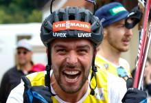 Johannes Rydzek freut sich sichtlich über seinen Sieg.