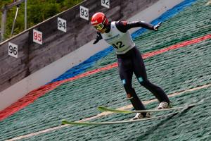 Terence Weber gewinnt das Springen in Oberwiesenthal.