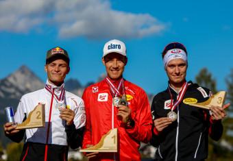 Die Sieger von der Normalschanze: Johannes Lamparter, Mario Seidl, Martin Fritz (l-r).